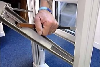 Removing vertical sliding sash windows