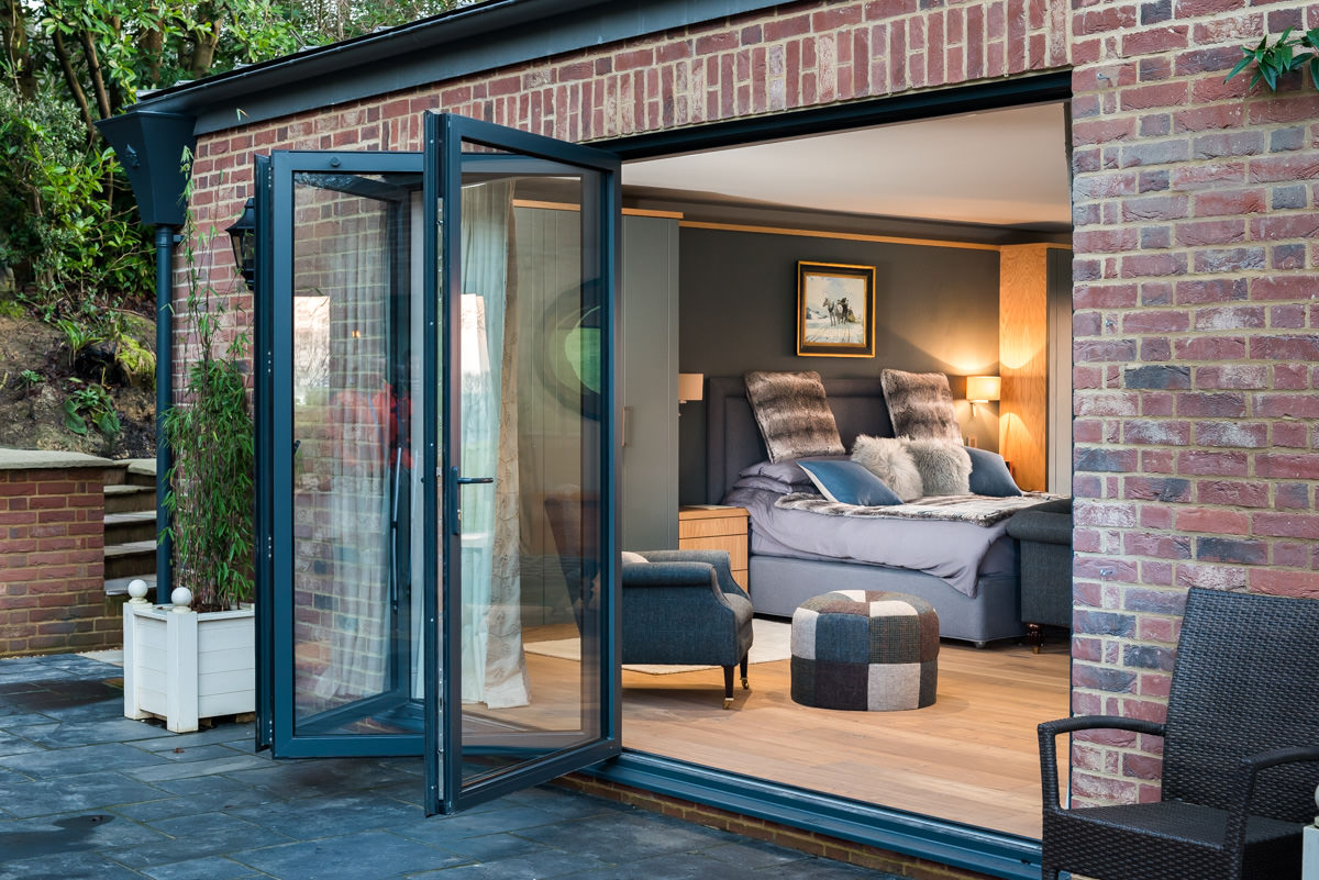 smart aluminium bi-folding doors Southampton hampshire